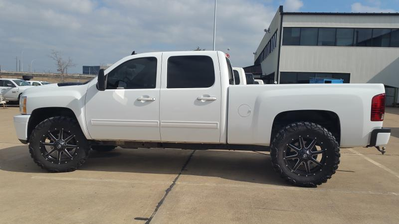 Lifted 2012 Chevy Silverado >> White Truck/Black wheels PICS PLEASE! - Page 7 - Chevy and GMC Duramax Diesel Forum
