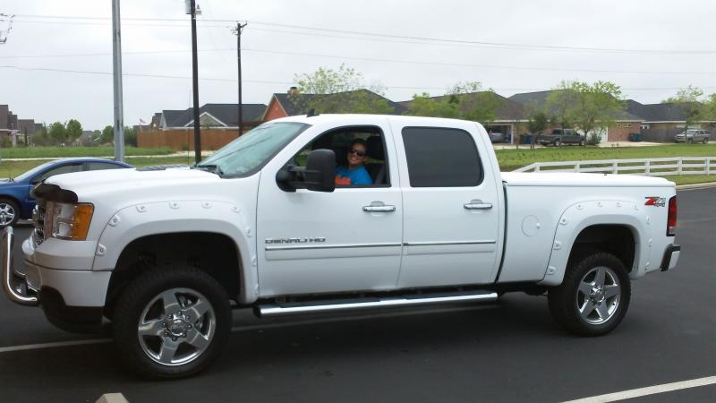 pictures of white trucks! - Page 26 - Chevy and GMC Duramax Diesel Forum