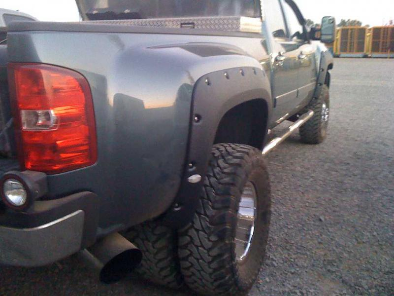 Dually Fender Flares?? - Chevy and GMC Duramax Diesel Forum